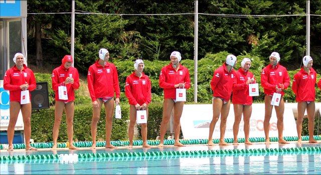 tutti a bordo piscina