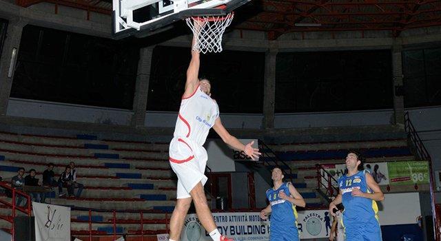 Basket, nel derby Cosenza va ko