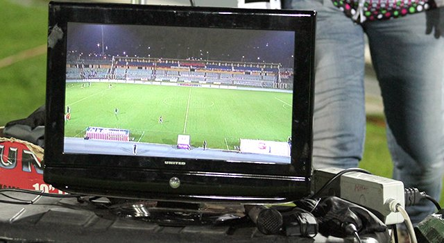 monitor tv bordo campo