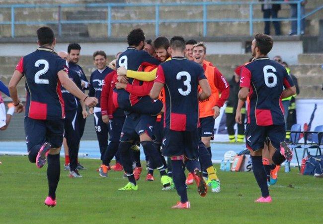 Il  Cosenza annienta la Lupa Castelli con Arrighini e Criaco (2-0)