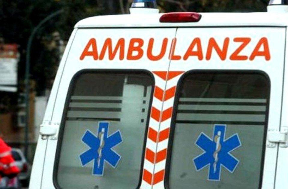 Tragico incidente a Longobucco, due morti. Auto finisce in un dirupo