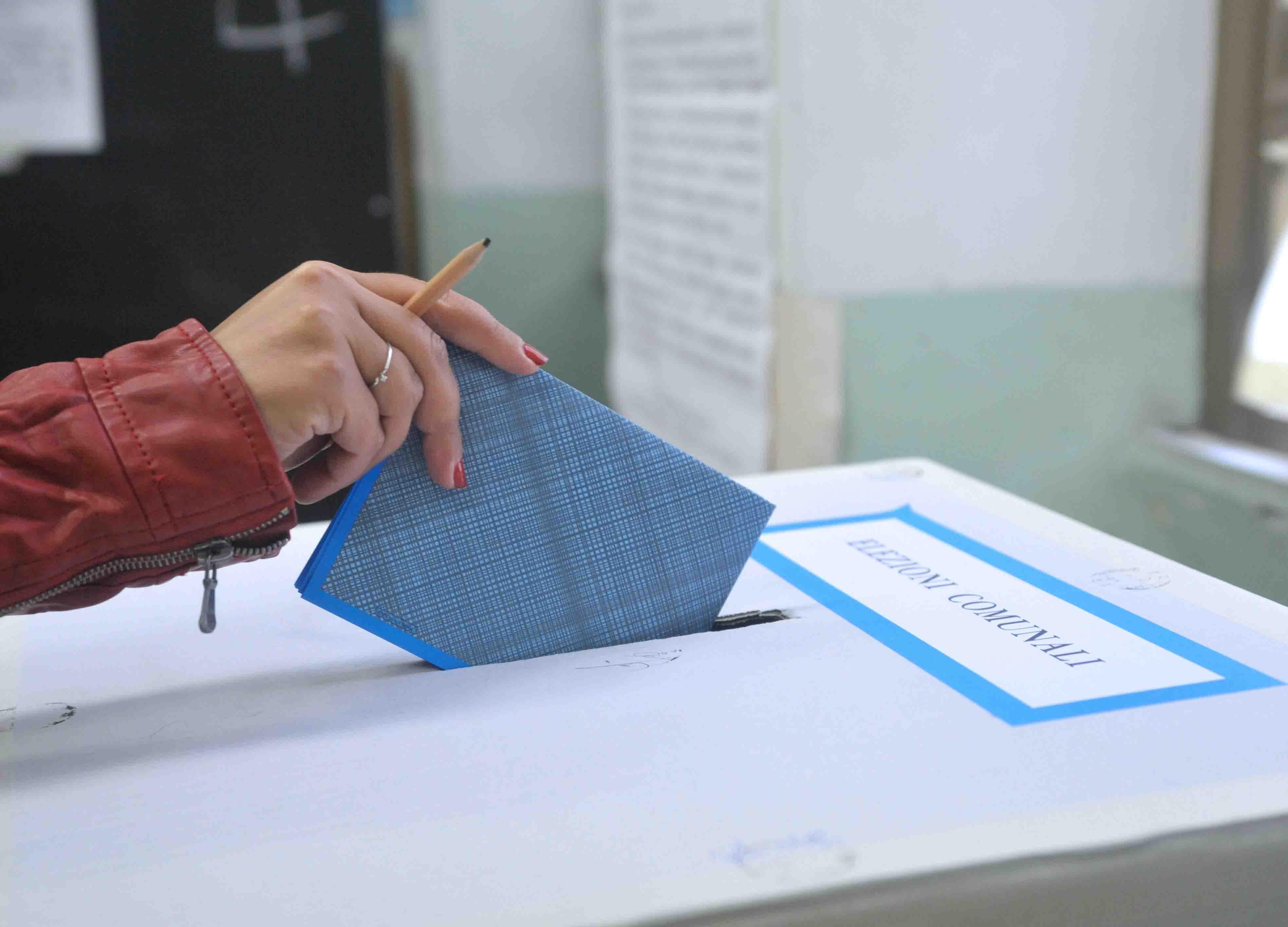 IL PUNTO | La politica cosentina pretenda un voto pulito e trasparente