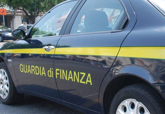 Evasione, la Gdf Cosenza sequestra 4,5 mln a due persone