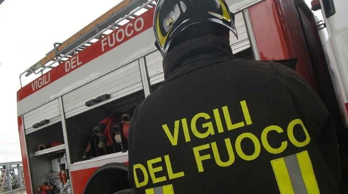 Esplosione a Reggio Calabria, feriti vigili del fuoco e poliziotti