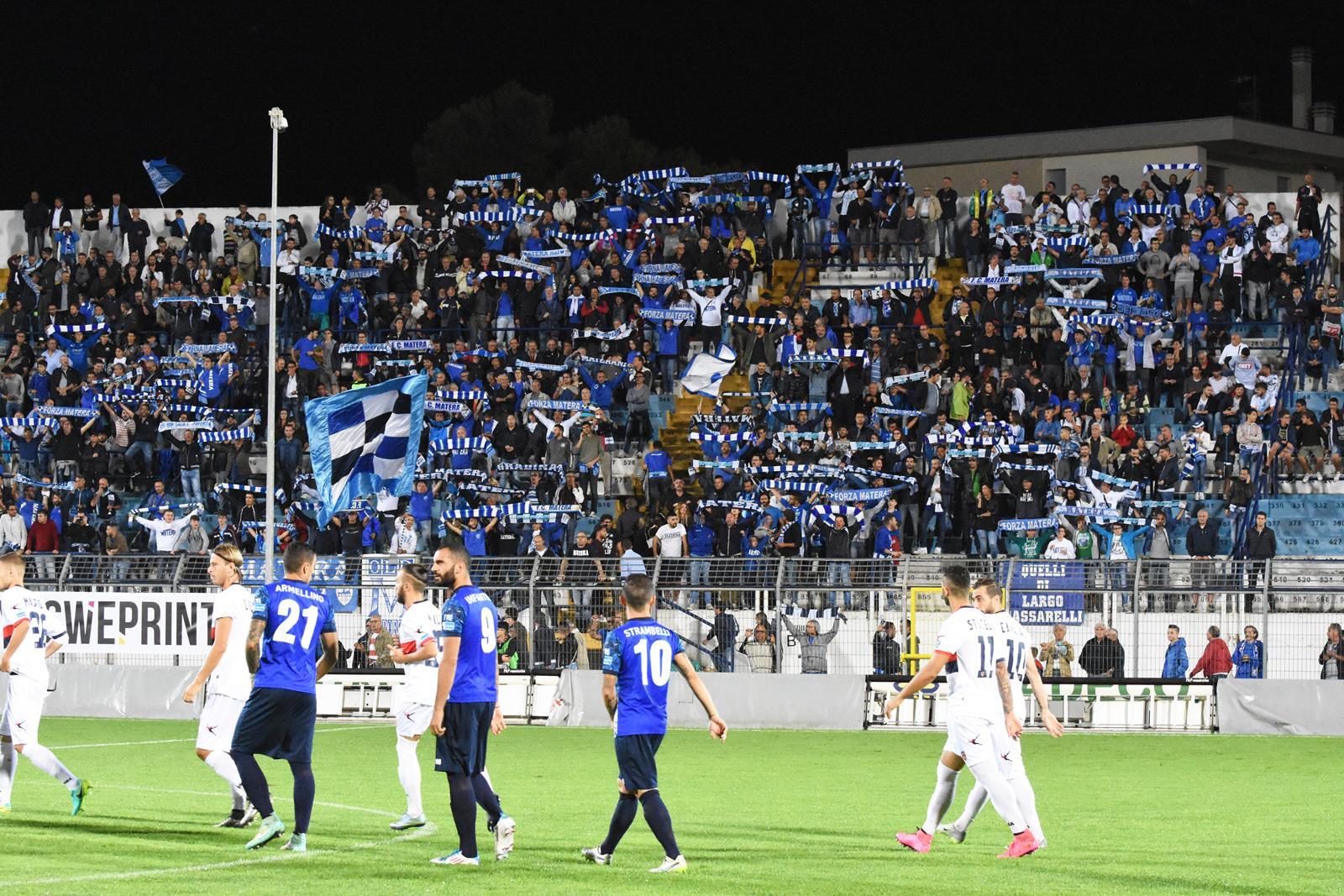 Matera, aggrediti due calciatori dopo lo 0-4 con il Siracusa