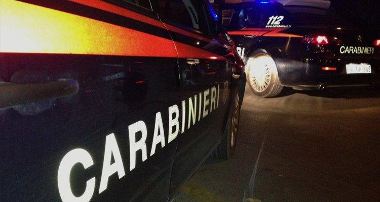 Offre sesso ai carabinieri: arrestata