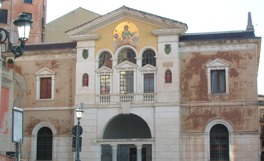 Biblioteca Civica di Cosenza, iniziate ufficialmente le proteste dei lavoratori