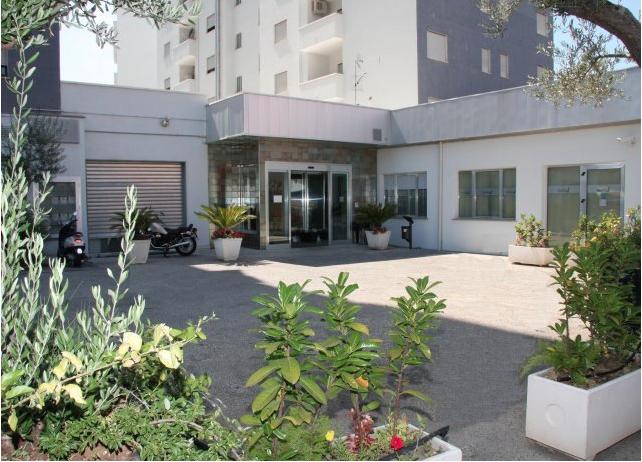 """Dipendenti del centro di riabilitazione """"Biolife"""": «La Regione Calabria riconosca al 100% le nostre prestazioni»"""