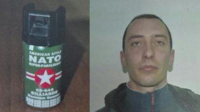 Photo of Clamoroso: ha con sé un'arma chimica da guerra. Arrestato un giovane