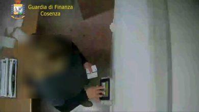 Photo of Assenteismo nella pubblica amministrazione, 12 arresti della Guardia di Finanza