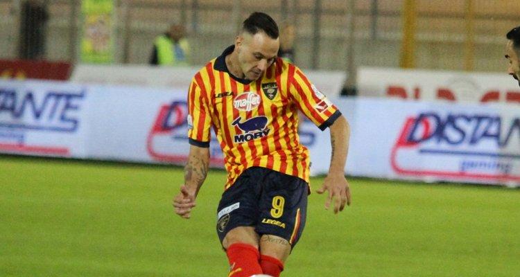 Cosenza, l'attaccante arriva dal Foggia
