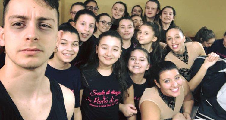 """Concorso nazionale di danza, una scuola cosentina (""""In punta di piedi"""") fa incetta di medaglie"""