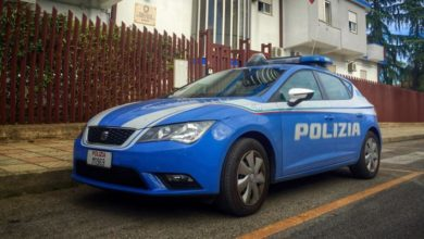 Photo of «La polizia! Butta tutto nel gabinetto», un arresto a Corigliano Rossano