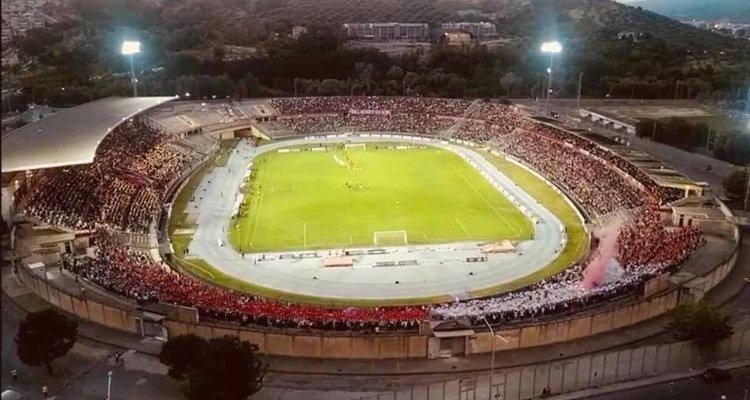 Cosenza, firmata la convenzione per l'utiilzzo dello stadio Marulla