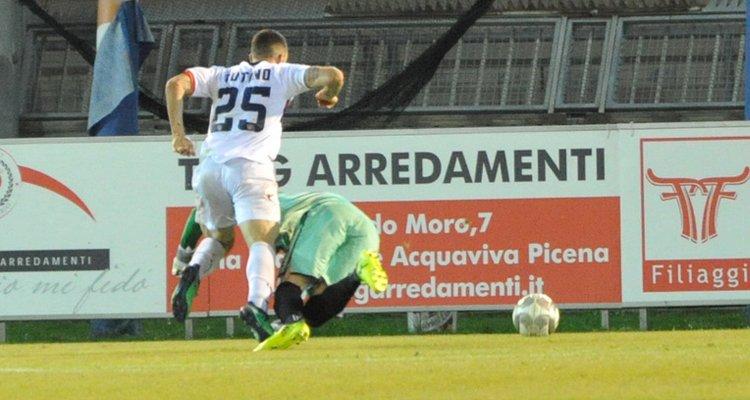 Napoli, decisione presa su Tutino. E in Serie B è bagarre