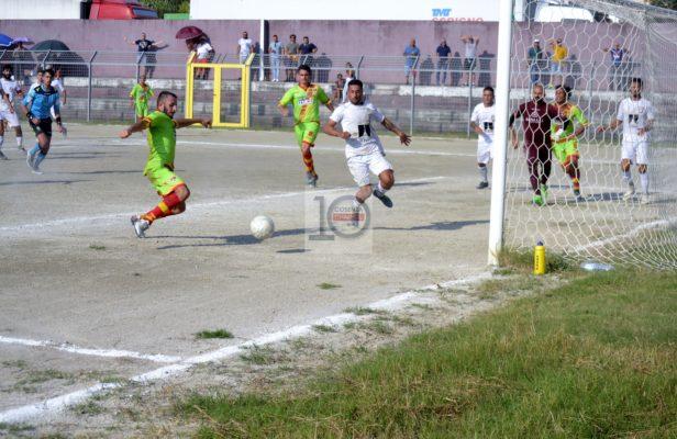 Il Sambiase parte bene. Il Belvedere deve lavorare. Fotoracconto e video del match (0-1)