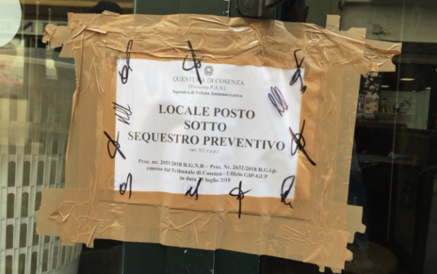 """Cosenza, schiamazzi notturni: sequestrato il locale """"Vintage zone"""""""