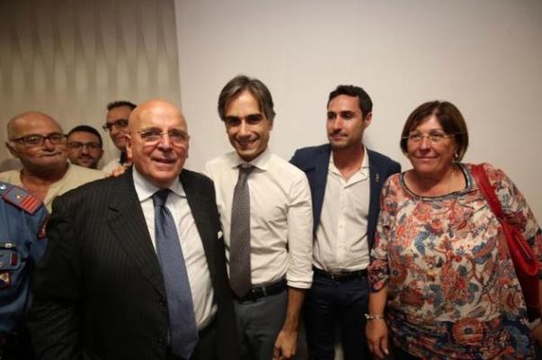 Oliverio ai sindaci: «Mi impegno a ricandidarmi per la guida della Calabria»