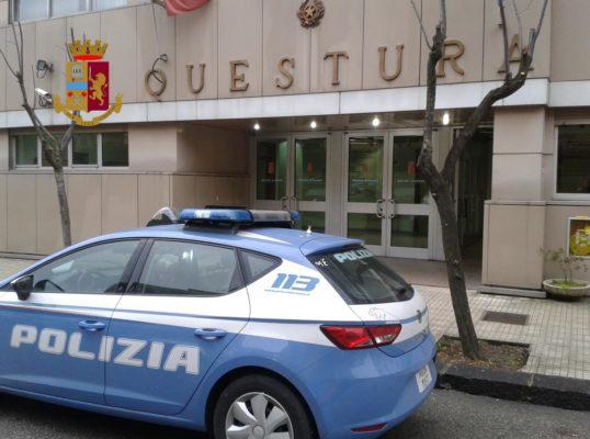 Madre coraggio denuncia piazza di spaccio a Cosenza, 7 arresti