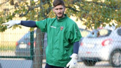 Photo of Cosenza, Saracco andrà in panchina. Testa a testa Cerofolini-Perina