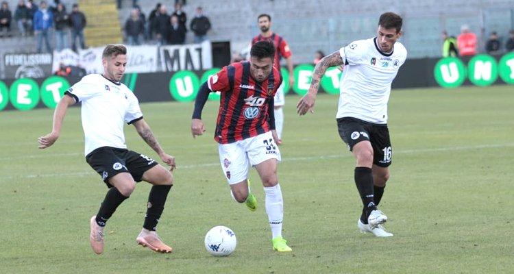 Palermo solo in vetta, risorge il Livorno. Tabellini e voti del 15° turno di Serie B