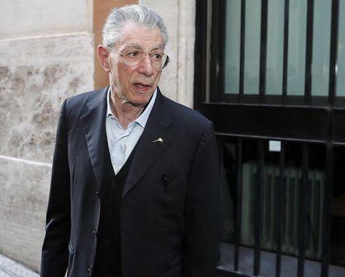 Fondi Lega, il legale cosentino che ha tirato fuori dai guai Umberto Bossi
