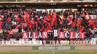 Photo of Allan Baclet, il saluto della Tribuna B al centravanti del Cosenza