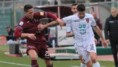Photo of Cosenza, ko che brucia. Il Livorno sfrutta l'occasione (2-0)