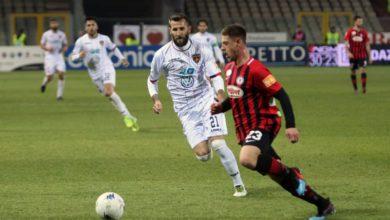 Photo of Pescara e Verona ok, in coda col freno a mano tirato. Il punto sulla Serie B