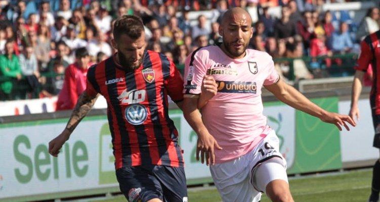 Cosenza-Palermo: le pagelle. A Maniero manca solo il gol, Embalo ok
