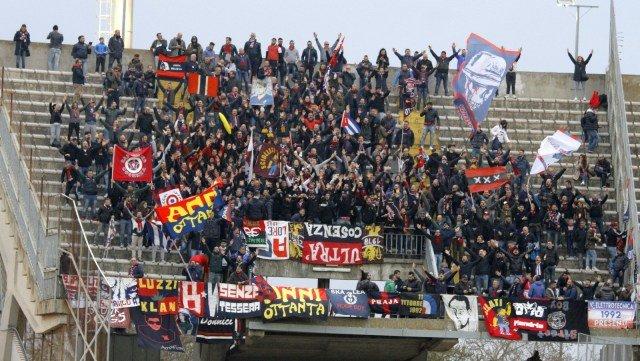 Lecce-Cosenza: la fotogallery della partita del Via del Mare