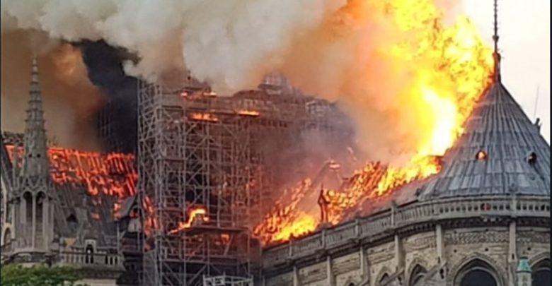 DAL MONDO | A fuoco la cattedrale di Notre-Dame a Parigi [VIDEO]