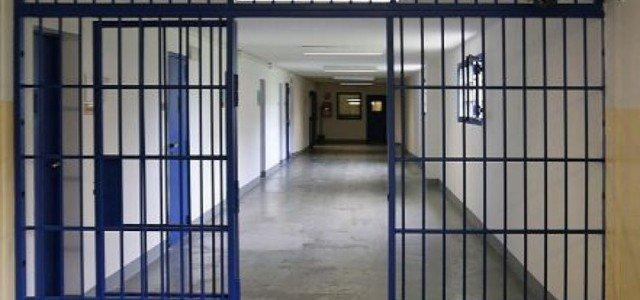 Torture nelle carceri, suicidi in aumento: cosa succede in Italia