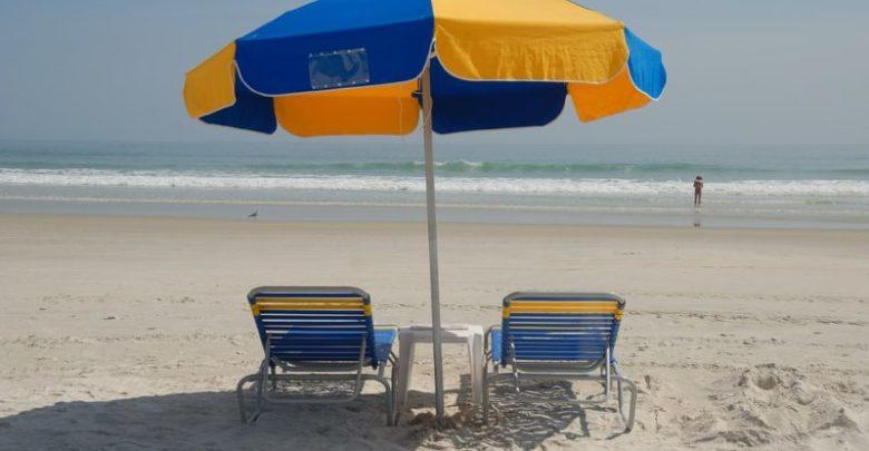 Luglio, è tempo di vacanze: 5 cose a cui non rinunciare in spiaggia