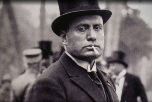 """Mussolini """"testimonial"""" del tesseramento di Forza Nuova Calabria"""