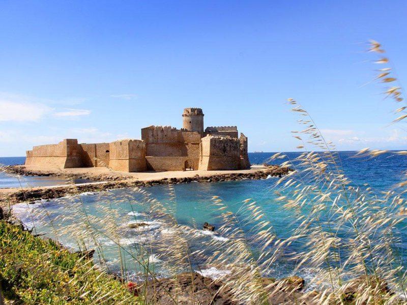 """Oggi riapre la fortezza di """"Le Castella"""" di Isola Capo Rizzuto"""