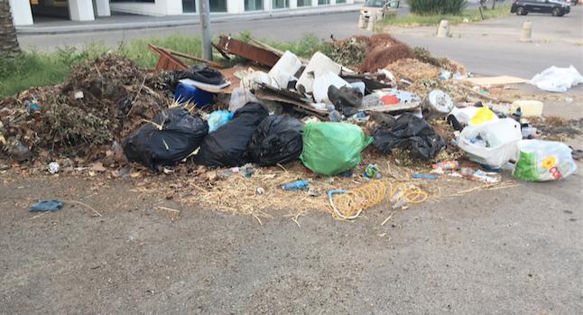 Cosenza se questa è una città sporca rifiuti