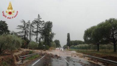 Photo of Morti e feriti a causa del maltempo, nubifragi su Toscana e Lazio