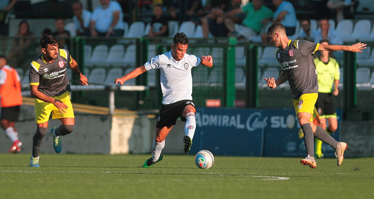 Rende, Coppa Italia addio. La Pro Vercelli si impone ai supplementari (2-0)