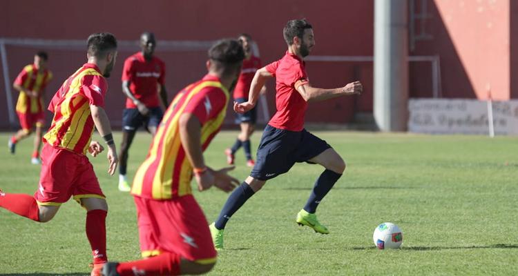 Il Cosenza chiude il ritiro con 7 gol alla Garibaldina. Corsi torna al calcio giocato