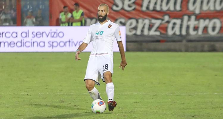 Legittimo e Trinchera hanno trovato un'intesa per allungare il contratto fino al 30 giugno del 2021. Il difensore rimarrà a Cosenza.