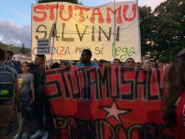 Salvini-Cosenza scoppia la guerra social