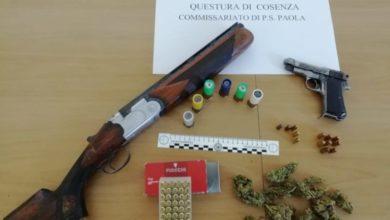 Photo of Amantea, la polizia sequestra armi e droga: ecco cosa hanno trovato