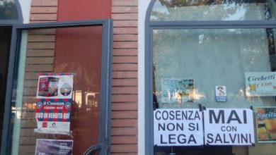 Photo of Salvini a Cosenza, città in fermento. Messaggi contro la Lega anche nei negozi