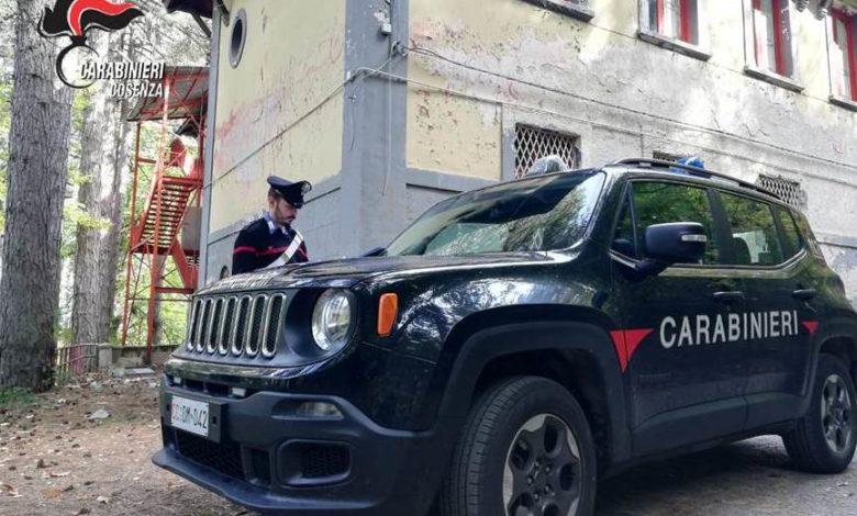 Camigliatello Silano, rubano sei termosifoni dall'ex scuola Alberghiera: arrestati