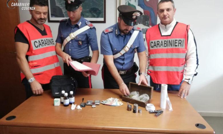Diamante, trovato con la droga davanti alle scuole: arrestato