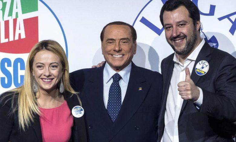 Il leader della Lega, Matteo Salvini lancia messaggi distensivi a Silvio Berluscono. «Troveremo una soluzione anche per la Regione Calabria».