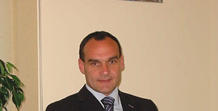 L'avvocato Lombardi sfida Papasso: ecco le liste per il comune di Cassano all'Jonio
