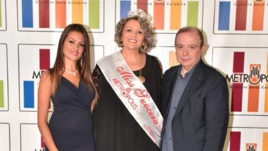 Photo of Eletta Miss Suocera 2019: è una imprenditrice di Rende