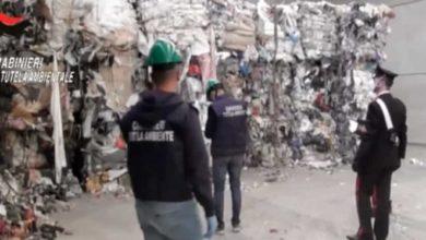 Photo of Una montagna di rifiuti sotterrati in Calabria, 11 arresti della Dda di Milano